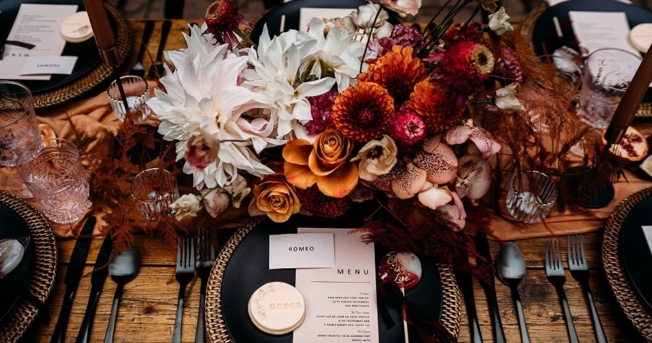 Image 1: Elizabeth Weddings
