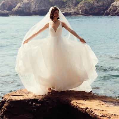 Anna McDonald bridal boutique in Oxfordshire talks dresses