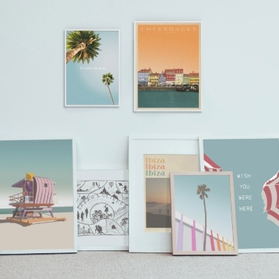 Travel-inspired wedding gifts