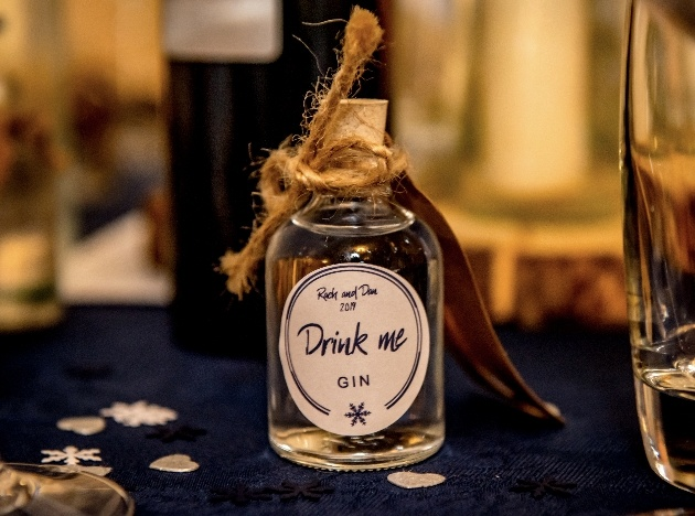 Gin favours